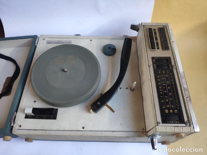 TOCADISCOS / RADIO - PICK-UP - FUJIYA HI-FI DE LUXE (Radios, Gramófonos, Grabadoras y Otros - Transistores, Pick-ups y Otros)