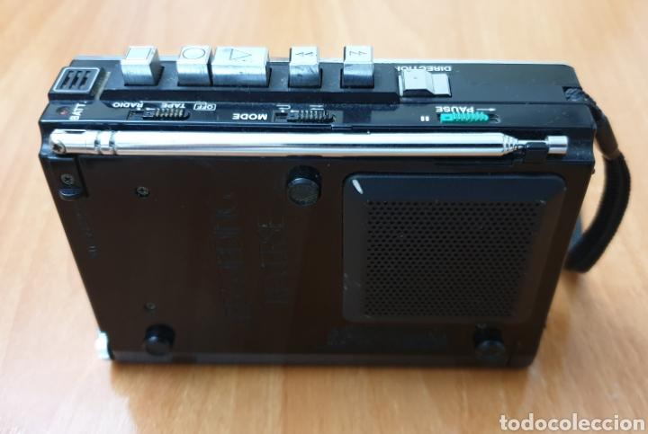 Radios antiguas: VINTAGE SANYO WALKMAN RADIO CASSETTE RECORDER M 1800F TIPO LADRILLO RARO Y UNICO!! - Foto 3 - 223963063