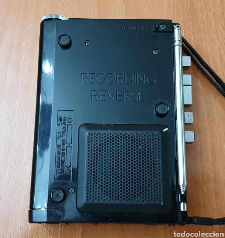 Radios antiguas: VINTAGE SANYO WALKMAN RADIO CASSETTE RECORDER M 1800F TIPO LADRILLO RARO Y UNICO!! - Foto 4 - 223963063