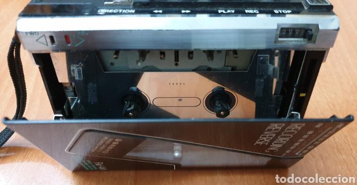 Radios antiguas: VINTAGE SANYO WALKMAN RADIO CASSETTE RECORDER M 1800F TIPO LADRILLO RARO Y UNICO!! - Foto 7 - 223963063