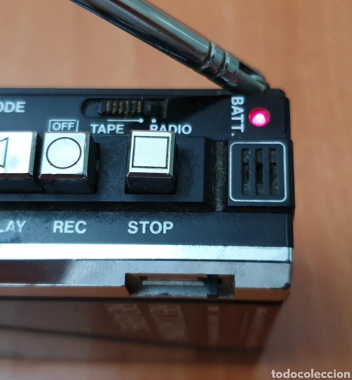Radios antiguas: VINTAGE SANYO WALKMAN RADIO CASSETTE RECORDER M 1800F TIPO LADRILLO RARO Y UNICO!! - Foto 12 - 223963063