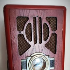 Radios antiguas: RADIO ELECTRIC COOL RP-010 - REPLICA DE RADIO CAPILLA CON CD EN LATERAL - 35 CM - FUNCIONA PERFECTA. Lote 226834382