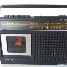 Rádios antigos: RADIO CASSETE SANYO M 2406 F. Lote 228146340