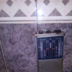 Radios Anciennes: RADIO MULTIBANDAS BICON FUNCIONANDO PERFECTA. Lote 228548980