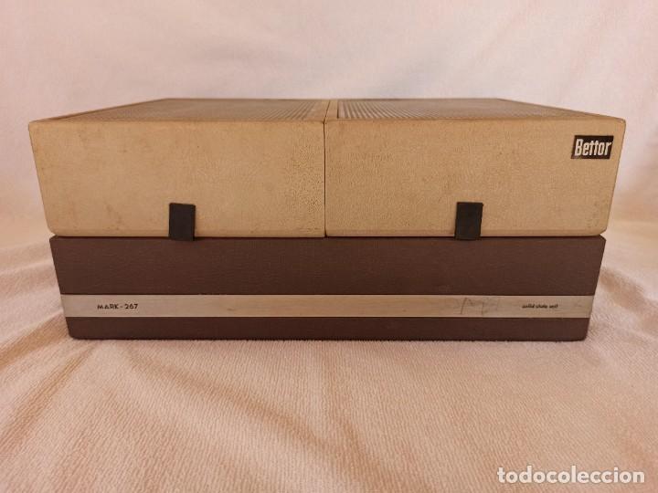 Radios antiguas: Radio - tocadiscos portátil Bettor, modelo Mark 267 - Foto 7 - 228662210