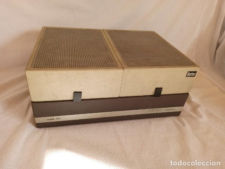 Radios antiguas: Radio - tocadiscos portátil Bettor, modelo Mark 267 - Foto 9 - 228662210