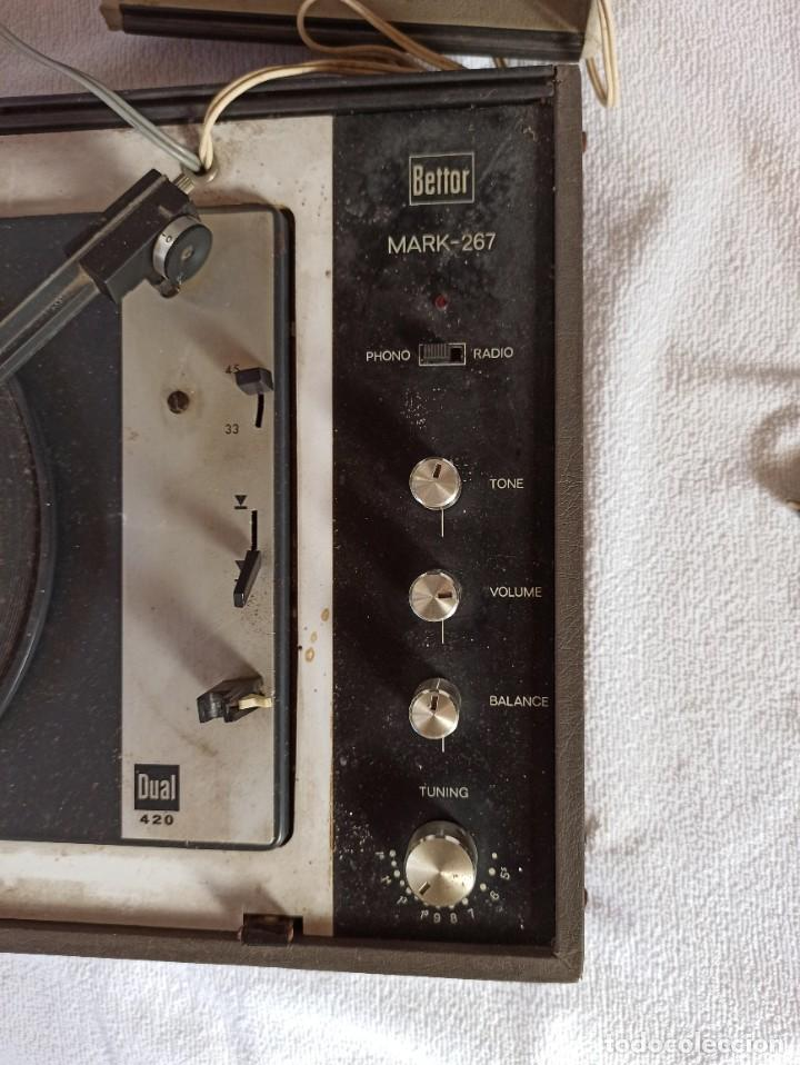 Radios antiguas: Radio - tocadiscos portátil Bettor, modelo Mark 267 - Foto 13 - 228662210