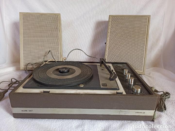 Radios antiguas: Radio - tocadiscos portátil Bettor, modelo Mark 267 - Foto 29 - 228662210