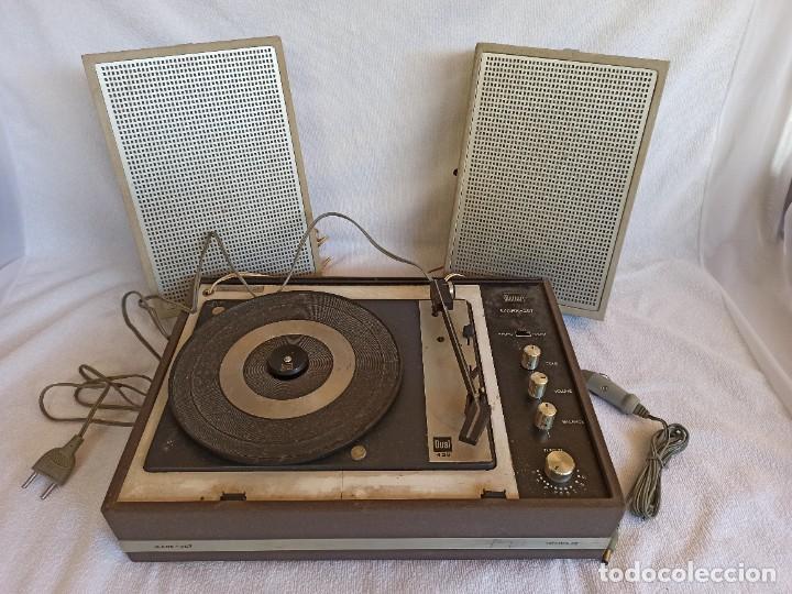 Radios antiguas: Radio - tocadiscos portátil Bettor, modelo Mark 267 - Foto 30 - 228662210
