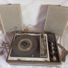 Radios antiguas: RADIO - TOCADISCOS PORTÁTIL BETTOR, MODELO MARK 267. Lote 228662210