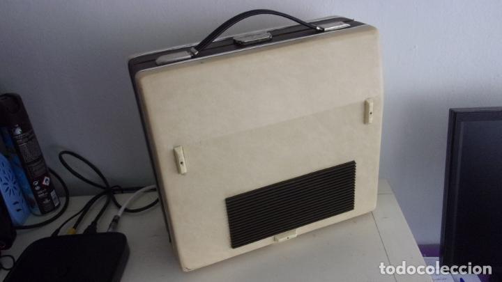 Radios antiguas: tocadiscos cosmos,años 60,funcionando,colgado video - Foto 5 - 228892090