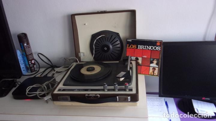 TOCADISCOS COSMOS,AÑOS 60,FUNCIONANDO,COLGADO VIDEO (Radios, Gramófonos, Grabadoras y Otros - Transistores, Pick-ups y Otros)