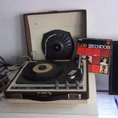 Radios antiguas: TOCADISCOS COSMOS,AÑOS 60,FUNCIONANDO,COLGADO VIDEO. Lote 228892090