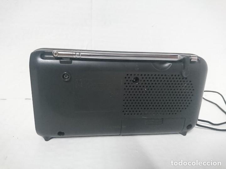 Radios antiguas: Radio transistor Sony ICF 390 - Foto 2 - 228920815