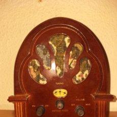 Radios antiguas: RADIO RETRO MADERA. Lote 230314630