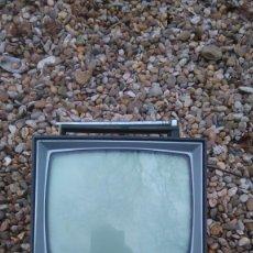Radios antiguas: SONY TELEVISOR TRANSISTOR MODELO 9-306UM #DEFECTOS#. Lote 230731150