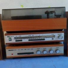 Radios antiguas: RADIO ANTIGUA CON TOCADISCOS ZIPHONA - REMA.. Lote 230748505