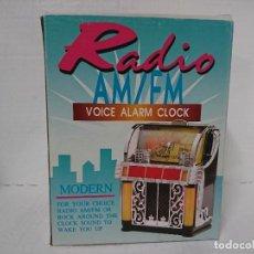 Radios antiguas: RADIO TRANSISTOR RELOJ CON ALARMA. Lote 231396100