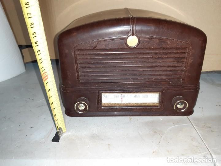 Radios antiguas: Radio antigua baquelita funcionando 125V - Foto 4 - 235211900