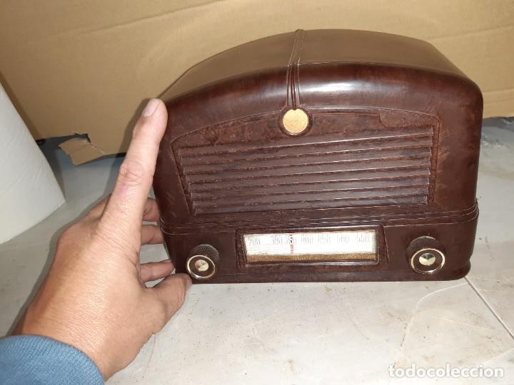 Radios antiguas: Radio antigua baquelita funcionando 125V - Foto 5 - 235211900