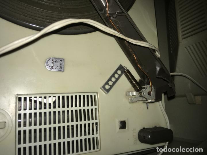 Radios antiguas: tocadiscos Philips para reparara, no está probado. como se ve en las fotos. 35 x 28 x 16 cms - Foto 5 - 235258180