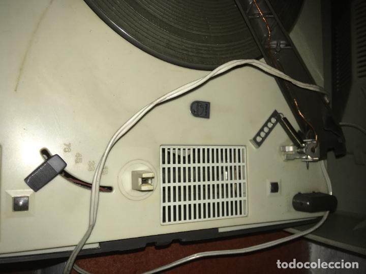 Radios antiguas: tocadiscos Philips para reparara, no está probado. como se ve en las fotos. 35 x 28 x 16 cms - Foto 6 - 235258180
