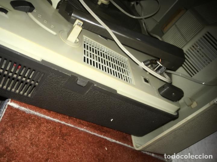Radios antiguas: tocadiscos Philips para reparara, no está probado. como se ve en las fotos. 35 x 28 x 16 cms - Foto 7 - 235258180