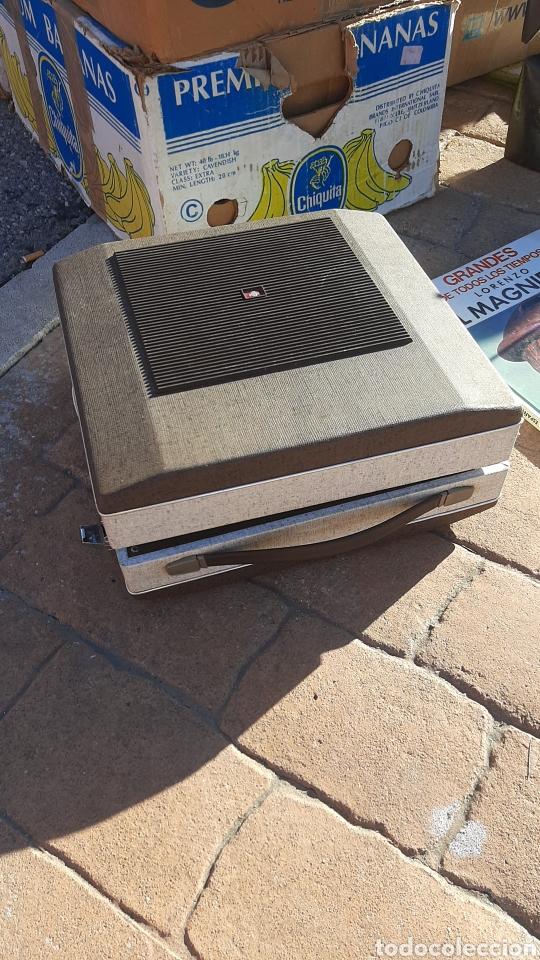 Radios antiguas: antiguo tocadisco faro ano 70 - Foto 3 - 235523055