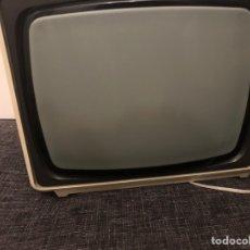 Radios antiguas: TELEVISOR PHILLIPS. Lote 235782460
