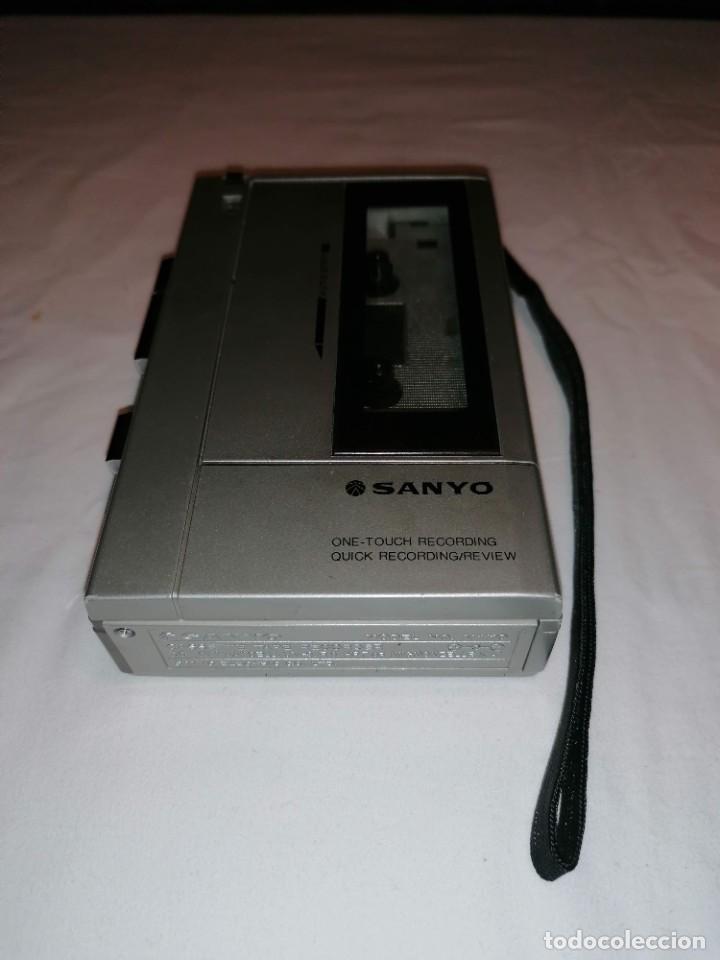Radios antiguas: Sanyo cassette recorder M-1110 - Foto 2 - 236062155