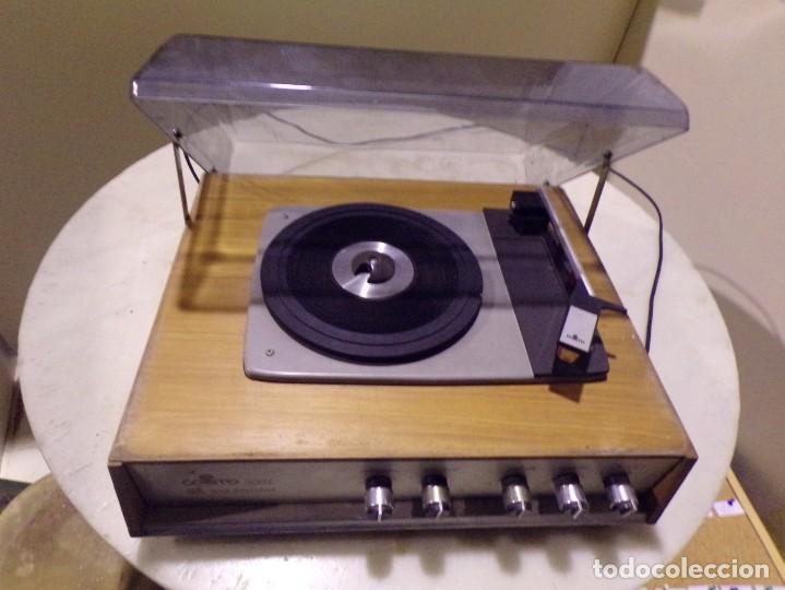 Radios antiguas: tocadiscos vintage marca cosmo modelo 3501 funcionando y buen estado - Foto 5 - 236173150