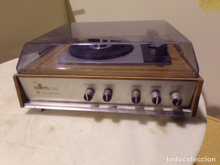 Radios antiguas: tocadiscos vintage marca cosmo modelo 3501 funcionando y buen estado - Foto 14 - 236173150