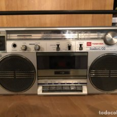 Rádios antigos: RADIO CASSETTE TOSHIBA BOMBEAT L-03. Lote 236266830