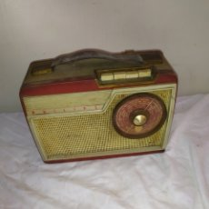 Radios antiguas: ANTIGUA RADIO TRANSISTOR PHILIPS. Lote 236452545