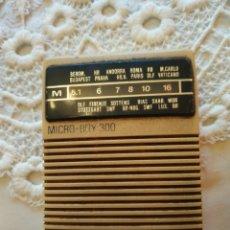 Radios antiguas: RADIO MICRO BOY 300 COLOR CREMA. Lote 236754315