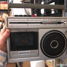 Radios antiguas: RADIO CASETTE SANYO - LE FALTA EL CABLE - DESCONOZCO SI FUNCIONA. Lote 236780645