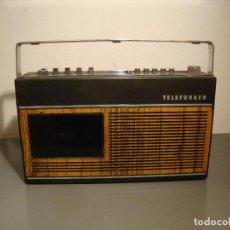 Radios antiguas: RADIO CASSETE TELEFUNKEN PARTNER COMPACT 101 VER FOTOS PARA PIEZAS O RESTAURAR. Lote 239935165
