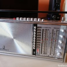 Radios antiguas: GRUNDIG LUXUS BOY. Lote 240849335