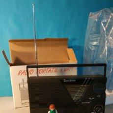 Radios antiguas: RADIO VINTAGE PORTATIL 5 WATT ELBE R-1A RADIO VINTAGE DE LOS AÑOS 80. SIN USO - NUEVA.. Lote 242426155