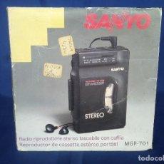 Radios antiguas: WALKMAN SANYO MGR-701 EN CAJA NUEVO A ESTRENAR. Lote 242873690
