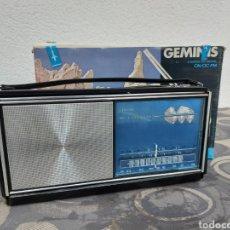 Rádios antigos: RADIO VANGUARD GÉMINIS. A ESTRENAR, DE TIENDA. AÑOS 70. FUNCIONANDO.. Lote 286631178