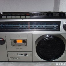 Rádios antigos: RADI0 CASETE SANYO M2438F. Lote 244916470