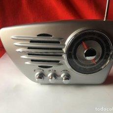 Radios antiguas: RADIO ESTILO VINTAGE SIN ESTRENAR EN PERFECTO ESTADO. Lote 244994500