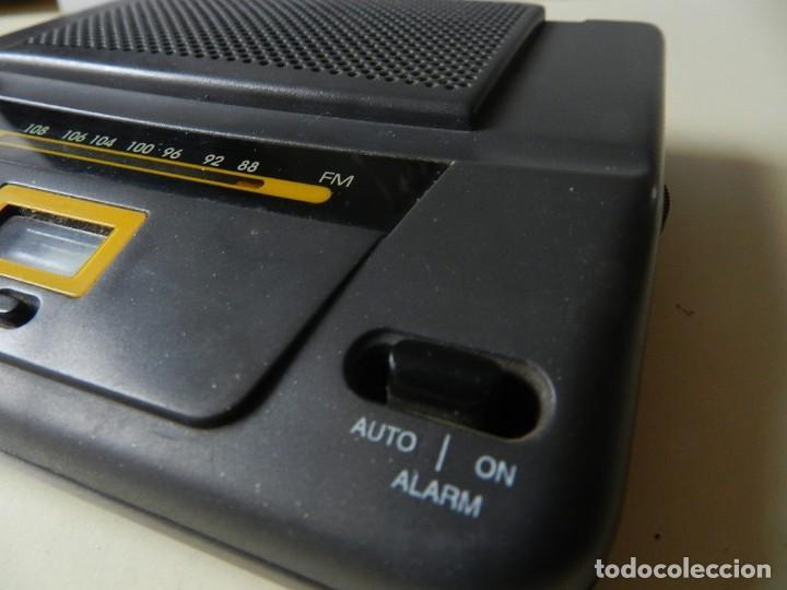 Radios antiguas: Radio Q FM 87,5 108,5 MHz Power DC 4,5 a pilas - Foto 3 - 245027875