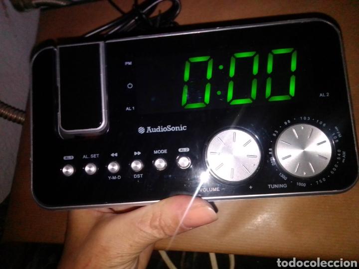 Radios antiguas: Radio despertador audio sonic con proyector nuevo en su caja - Foto 4 - 245093150