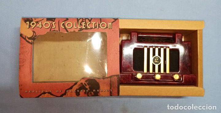 RADIO DE FANTASIA CON CAJA (Radios, Gramófonos, Grabadoras y Otros - Transistores, Pick-ups y Otros)