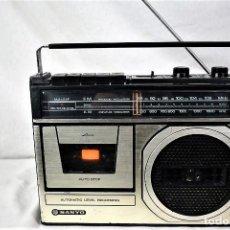 Radios antiguas: RADIO CASSETTE SANYO M-2409F AÑO 1978. Lote 245472365