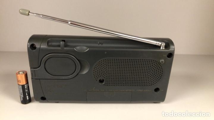 Radios antiguas: Radio Sony ICF 403S. Funciona, ver vídeo. - Foto 10 - 253370355