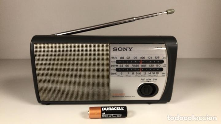 RADIO SONY ICF 403S. FUNCIONA, VER VÍDEO. (Radios, Gramófonos, Grabadoras y Otros - Transistores, Pick-ups y Otros)