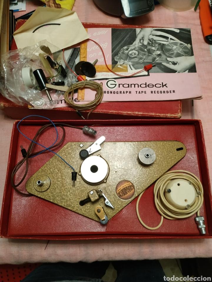 GRAMDECK PHONOGRAPH TAPE RECORDER (Radios, Gramófonos, Grabadoras y Otros - Transistores, Pick-ups y Otros)